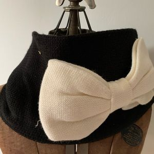 kate spade for you! Black with white bow - scarf